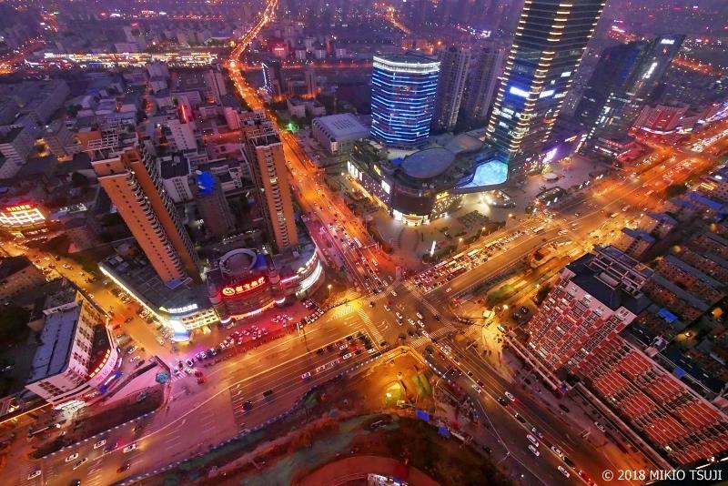 絶景探しの旅 - 0556 龍が吐き出す炎のように浮かび上がる中国・新興都市の夜景 (江蘇省 南通市)