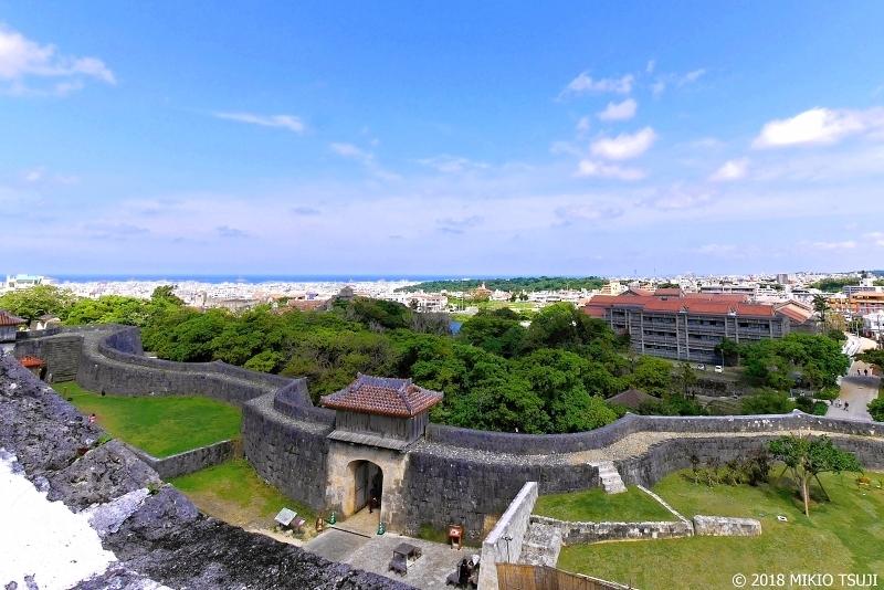 絶景探しの旅 - 0572 東シナ海を臨む首里城の城壁 (沖縄県 那覇市)