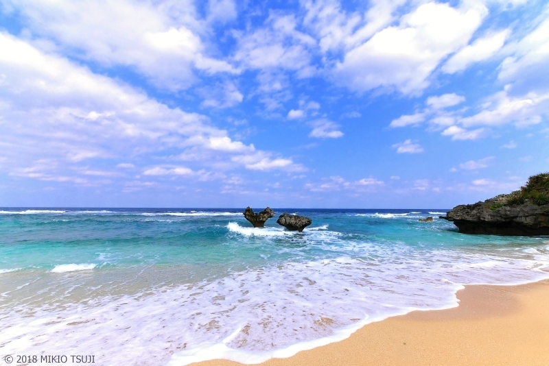 絶景探しの旅 - 0576 嵐のハート岩とコバルトブルーの海 (沖縄県 今帰仁村)