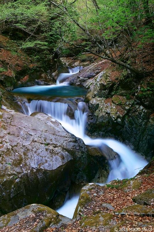絶景探しの旅 - 0578 極上の流身 西沢渓谷の三重の滝 (山梨県 山梨市)