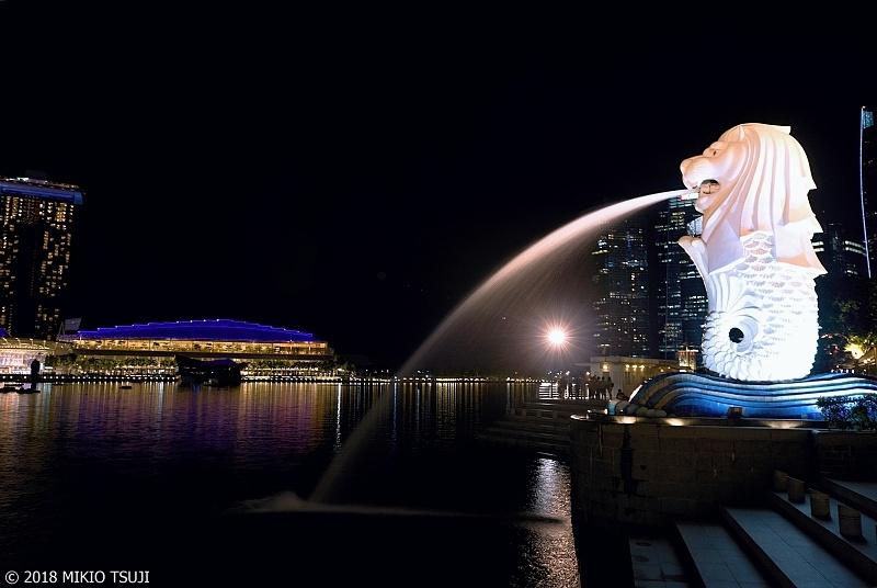 絶景探しの旅 - 0602 夜のマーライオン (シンガポール)
