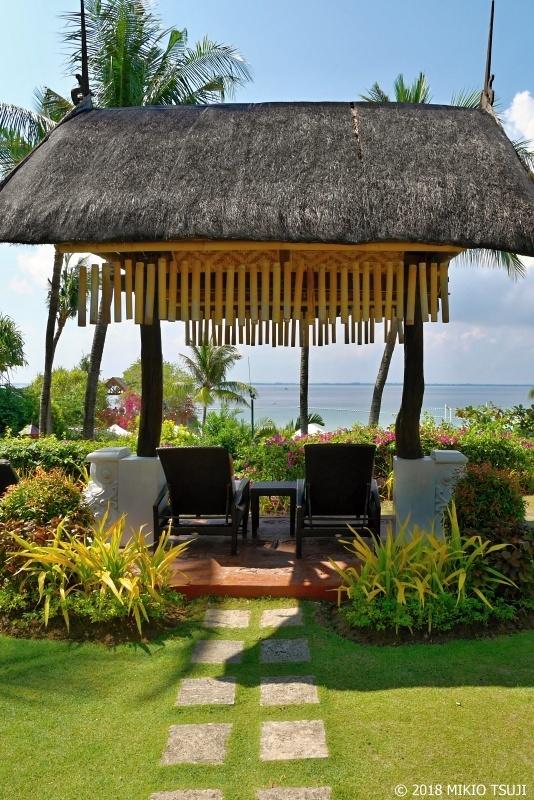 絶景探しの旅 - 0608 海を臨むそよ風のチェア (シャングリラ マクタン リゾート/フィリピン マクタン島)