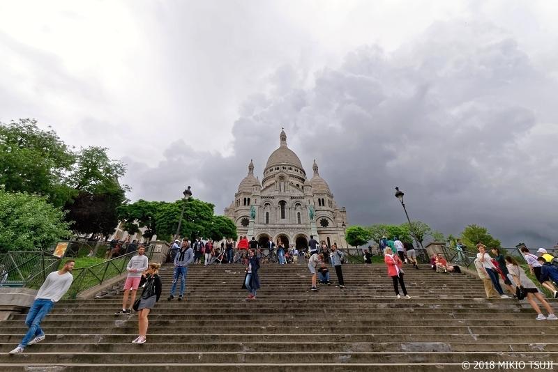 絶景探しの旅 - 0624 雨雲広がるモンマルトルの丘のサクレクール寺院 (フランス パリ)