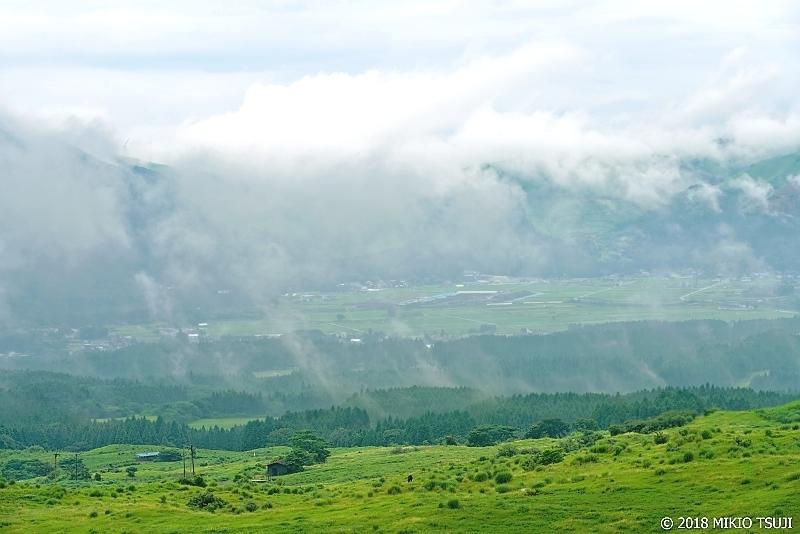絶景探しの旅 - 0641 雨上がりの阿蘇山麓の風景 (阿蘇パノラマライン/熊本県 南阿蘇村)